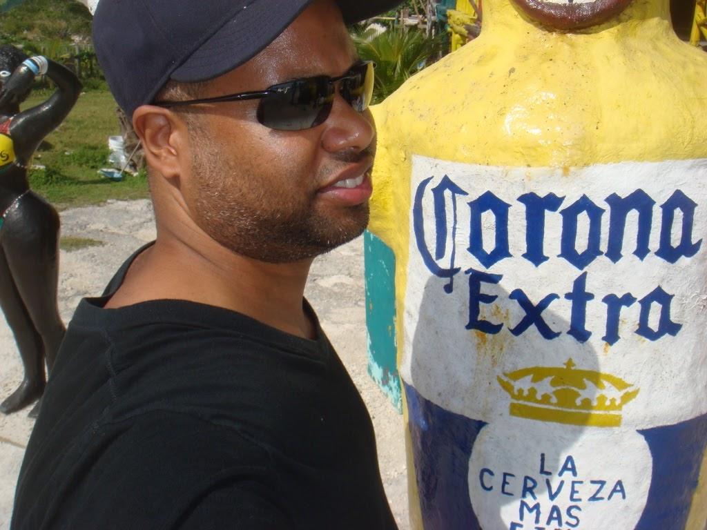 corona extra statue